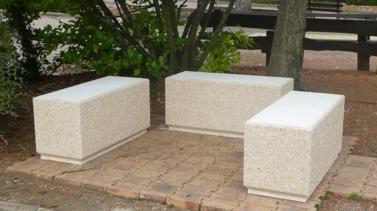 mobilier urbain bancs et banquettes b ton lmb r f bmono100 banc monobloc en b ton blanc. Black Bedroom Furniture Sets. Home Design Ideas